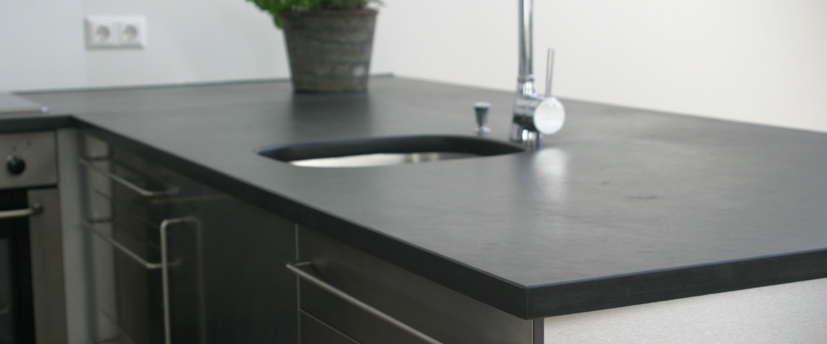 BLACK SLATE COUNTER